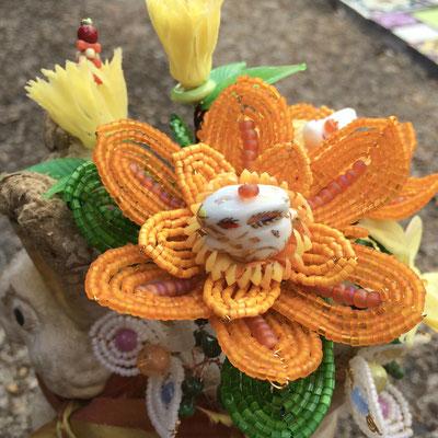 Orange Bunny Bouquet, Detail