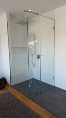 Barrierefreie Dusche aus Glas