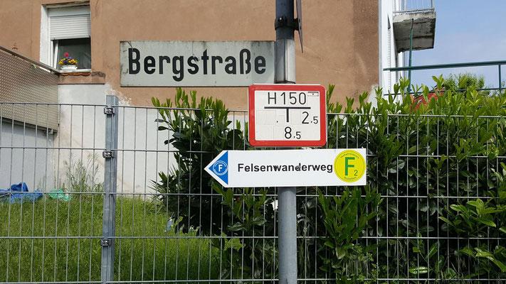 Immer diesem Schild nach nur noch 25 km