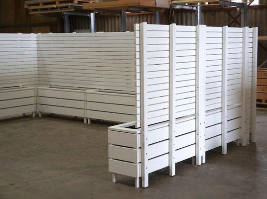 Pflanzkasten mit Sichtschutz nach Maß in U-Form, Oberfläche: Weiß