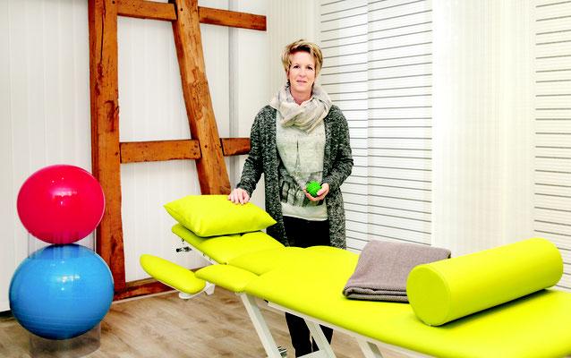 Natalie Tollas im Behandlungsraum 1