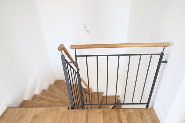 Zweiholmtreppe mit Eichstufen
