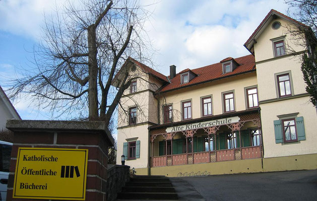 2009 Alte Kinderschule mit der Bücherei im 2. OG