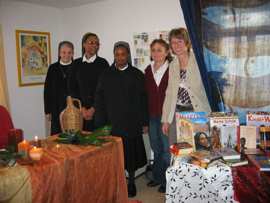 2008 Missionssonntag Besuch in der Bücherei