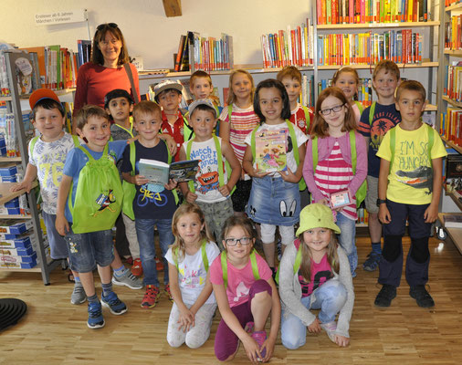 Aktion Lesekompass: Schüler der 1. Klasse Schörzingen