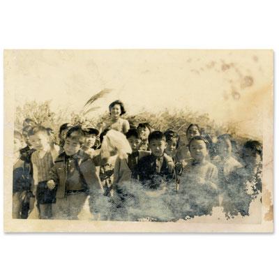 昭和40年代のスナップ写真(白黒プリント  11×7.5cm)