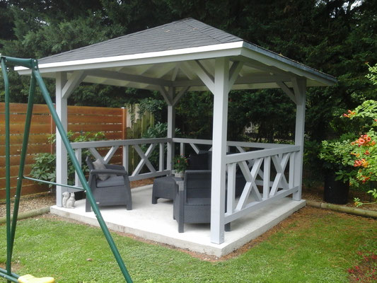 Kiosque Betty 9m², poteaux 120 x 120 mm en contre collé