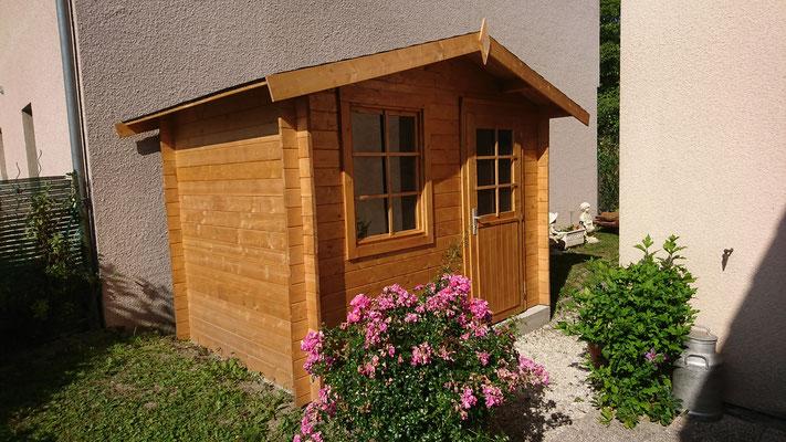 Abris Klara 4.7 m² traité brun madriers 28 mm