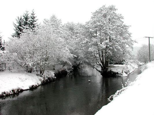 Mündung des Laisbachs in die Nidda