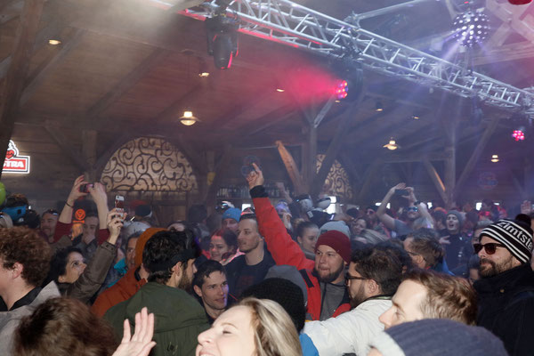 Die Atzen - Party in der KuhBar Arosa - Best Après-Ski 2017/2018