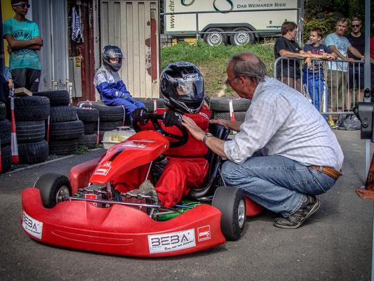 Erik Sommer bei seinem 1. Rennen. Auch er betreut natürlich durch Volker Neumann