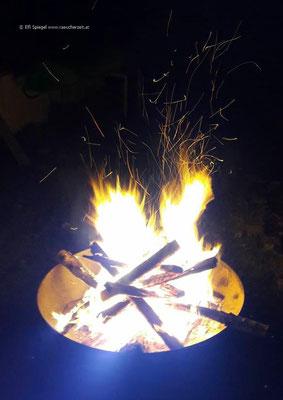 ein prachtvolles Osterfeuer