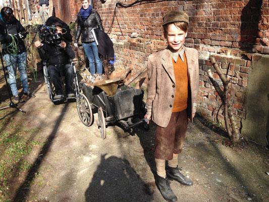 Kostümbild und Styling Anja Kaninck  / Imagefilm · Filmwerbung · Fernsehwerbung · Werbung · commercial / Scholl Glas 50er / Hamburg · Schleswig Holstein · Bargteheide