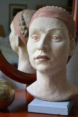 """Portrait """"Emily"""", 2008, lebensgroß, Ton"""