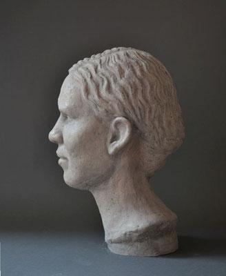 "Portrait ""Claudia"", 2009, lebensgroß, Steinguß"