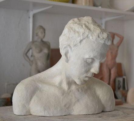 """Büste """"Junger Mann"""", 2010, 27x29x20cm, Gips"""