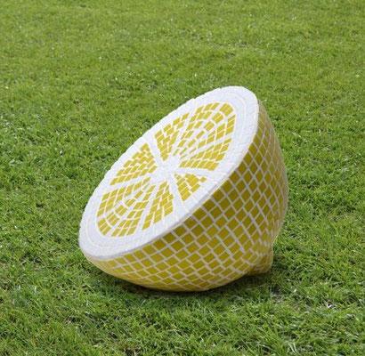 """""""Zitrone"""", 2012, Modell für eine Gartenplastik, Gips, Mosaik"""