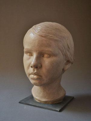 Kinderportrait, lebensgroß, 2013, Steinguß