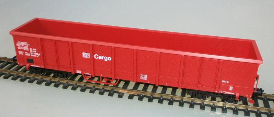 Fleischmann H0 528304 Hochbordwagen, rot, DB Cargo, Seite links