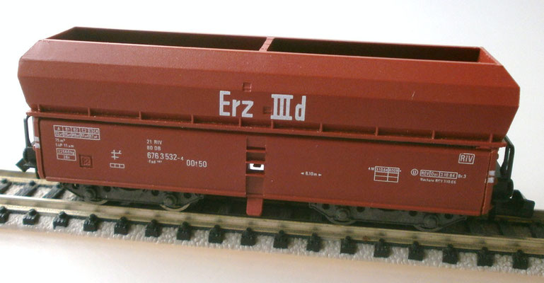 Fleischmann N 8520 Großraum Selbstentladewagen Seitenansicht