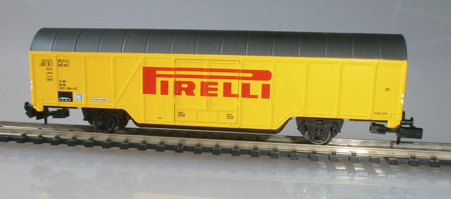 Arnold HN6280 Güterwagen Pirelli Reifen Seitenansicht