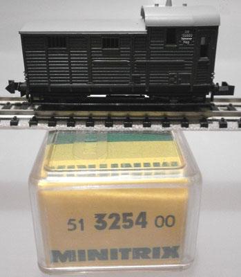 Minitrix N 3254 Packwagen mit Verpackung