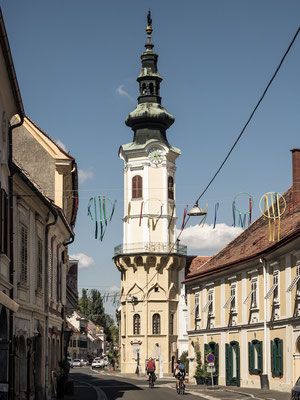 Langgasse mit Blick auf das Rathaus