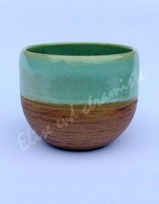Le bol couleur bois est doux et original