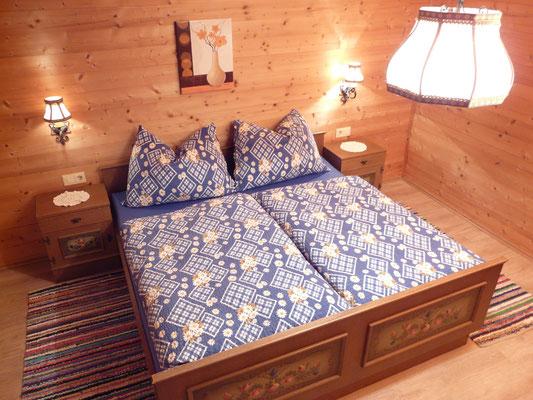 schlafzimmer hausstatt ferienhaus weerberg tirol österreich ferienzimmer sommer winter urlaub wandern schifahren rodeln