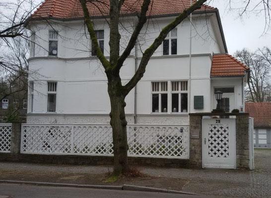 Haus Nr. 34  (Johannes R. Becher)