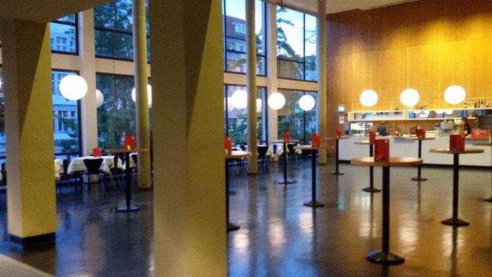 Das Foyer-Restaurant der Deutschen Oper