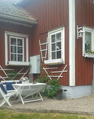 Linke Hausecke mit neuen Fenstern