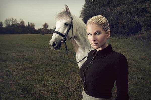 Model: Natascha Sagorski / Foto: Monique & Fernando Mota Medina