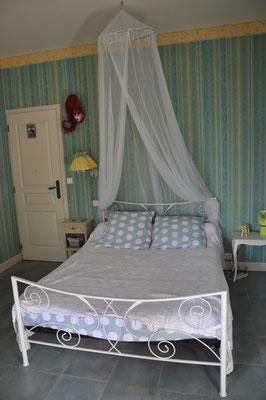Le lit en 140