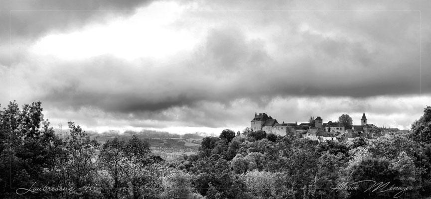 Le village de Loubressac en noir et blanc