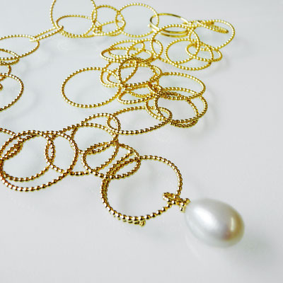 Perldrahtkette Silber goldplattiert, Süßwasserperltropfen