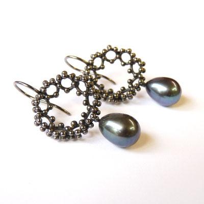 Ohrhänger Silber schwarz rhodiniert, Süßwasserperlen