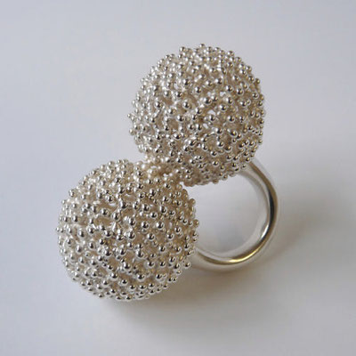 "Ring ""H zwei"", Silber"