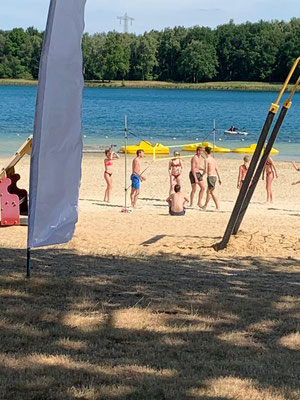 volleyballen op landgoed duynenwater