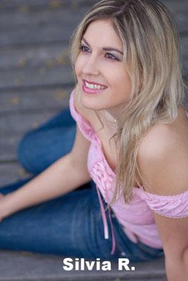 Silvia R. PerfectModel