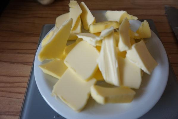 einfache Schoko Nuss Tarte l Schoko Nuss Kuchen mit weisser Schokolade