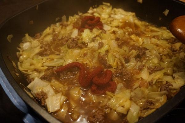 Kapuska -tuerkische Kohlpfanne mit Hackfleisch low carb - low fat