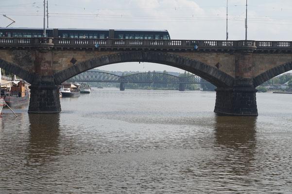 Erfahrungsbericht von hierkochtdiemaus foodblog aus Köln - Schifffahrt- Schifftour auf der Moldau in Prag