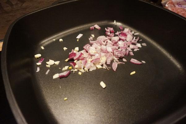 kapuska tuerkische kohlpfanne mit hackfleisch 200 kalorien low carb foodblog. Black Bedroom Furniture Sets. Home Design Ideas