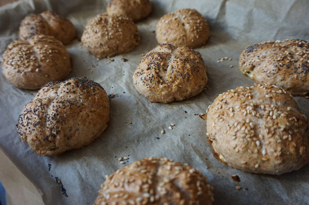 Rezept Mini Dinkel Broetchen mit Saaten