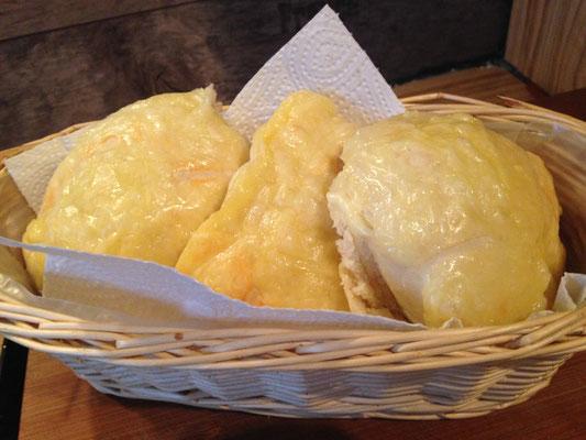 saftige selbstgemachte Käsebrötchen wie vom Bäcker