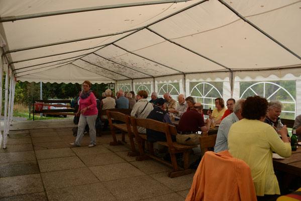 Bratwurst-Picknick in Kromsdorf