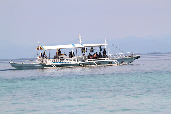 traditional boat used for diving