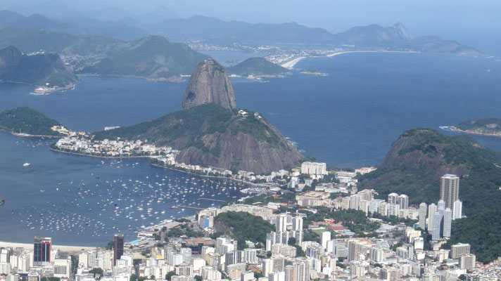 Blick vom Corcovado auf den Zuckerhut, Rio de Janeiro