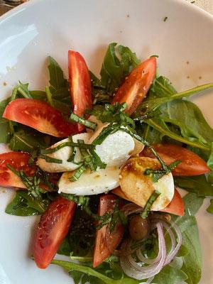 Tomato Mozzarella Salat at Frohe Aussicht